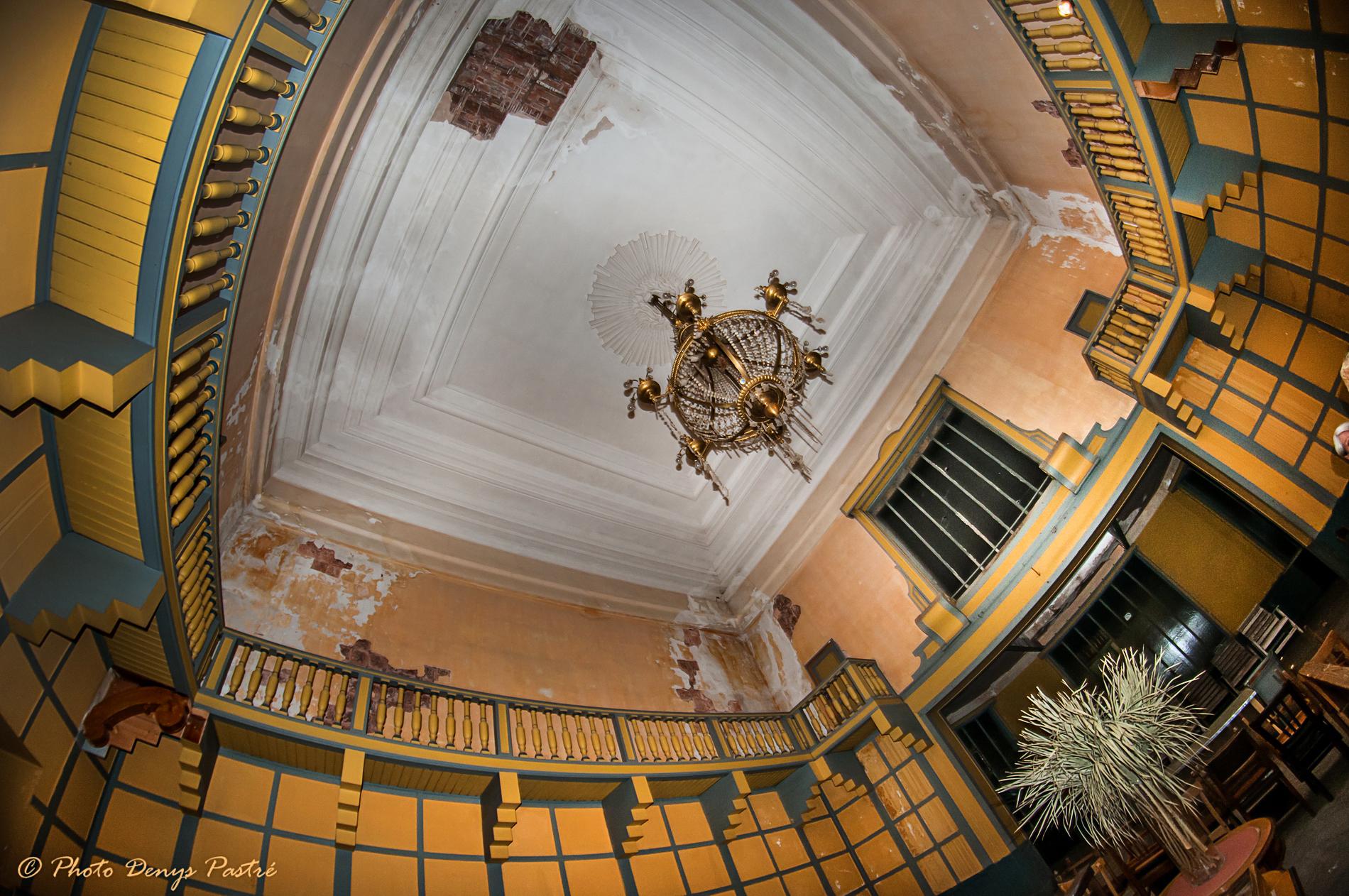 Palais lumi re grand salon lumi re argsl - Lumiere salon ...